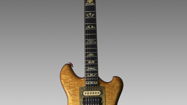 jerry garcia 39 s guitar fetches 1 9m at new york auction lemonwire. Black Bedroom Furniture Sets. Home Design Ideas