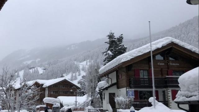 13,000 tourists stuck in Matterhorn town amid avalanche risk