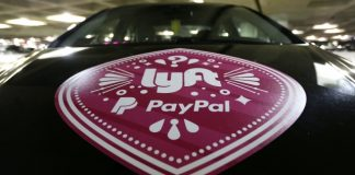 Appeals court reinstates challenge to Seattle rideshare law