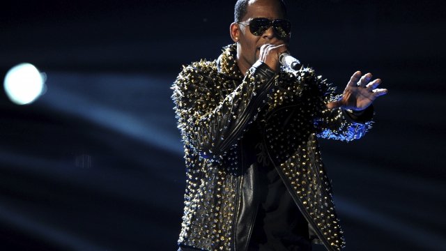 Apple won't promote R. Kelly music on featured playlists