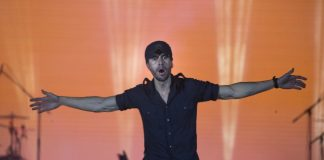 Iglesias loves his fans, but misses family 'like crazy'