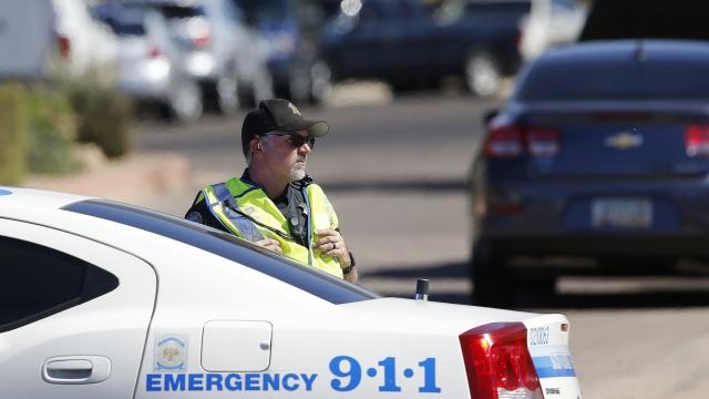 As police close in, suspect in 4 Arizona slayings kills self