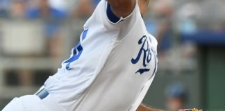 Burch Smith gets 1st win since 2013 as Royals top Tigers 5-4