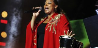 Queen Latifah celebrates with hip-hop legends at Essence