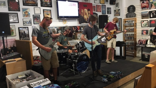 Review: Tangled Headphones EP Release Show