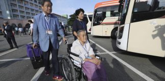 100s of S. Koreans to enter North to reunite with loved ones