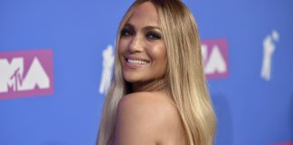 J. Lo gets emotional at MTV VMAs, a show that feels flat
