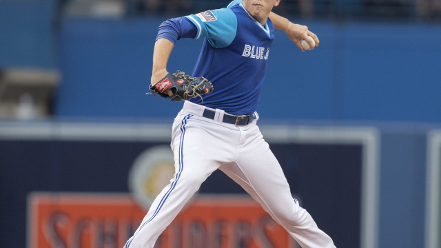 Morales homers for 5th straight game, Jays beat Phillies 4-2