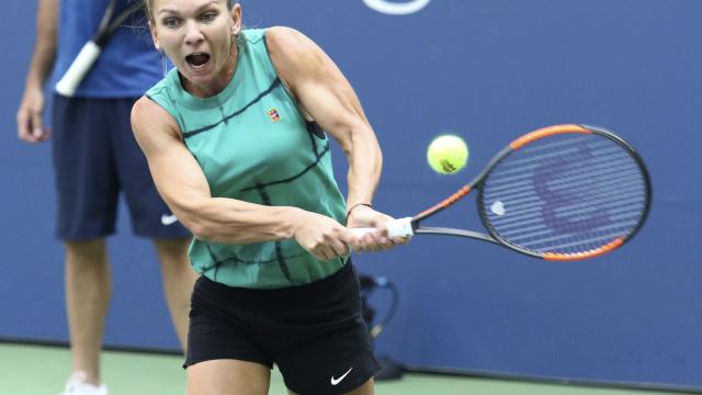 The Latest: No. 1 Simona Halep drops 1st set at US Open